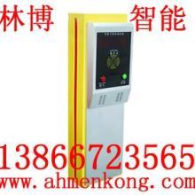 供应用于小区的合肥出入口刷卡票箱 标准票箱图片