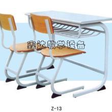 供应智力课桌椅生产厂家电话