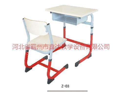 供应广西学校低价课桌椅