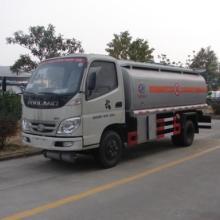 供应流动加油车可以在公路上行使加油