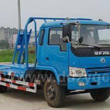 供应东风大劲卡挖掘机平板车  8-10吨挖掘机平板拖车 挖机托板图片