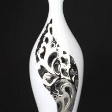 供应电镀陶瓷花瓶供应商 现代饰品 镂空花瓶 隔离镀花瓶