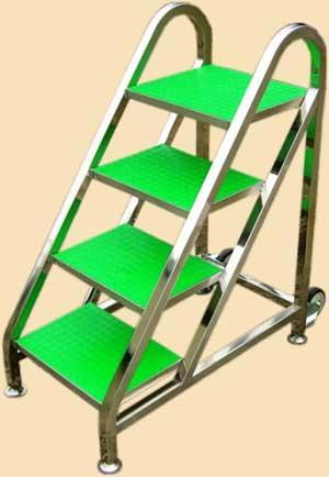 供应不锈钢书梯07