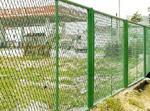 供应钢板护栏网批规格、护栏网价格。