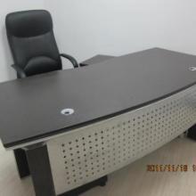 供应办公台屏风隔断大班台会议桌等办公家具成色新价格便宜图片