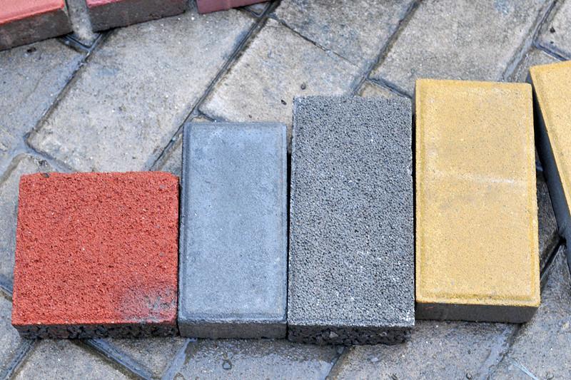 人行道 人行道供货商 人行道彩砖 人行道价格 诚永亿水泥高清图片