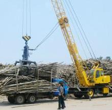 供应最好的枝桠材抓取卸车吊装吊车