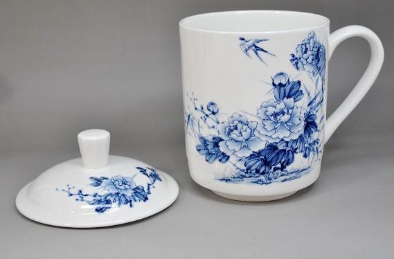 供应陶瓷茶杯,青花瓷茶杯,礼品杯