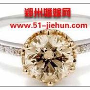 华丽繁复珍珠装时尚娇艳新娘图片