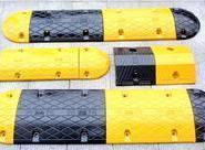 四川橡胶减速垄|橡胶定位器图片