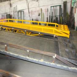 佛山市10吨移動式登車橋出售厂家厂家
