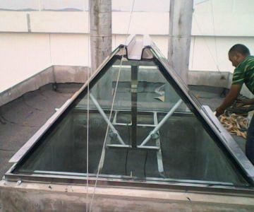 供应甘肃电动天窗工厂直销,电动天窗供销商图片