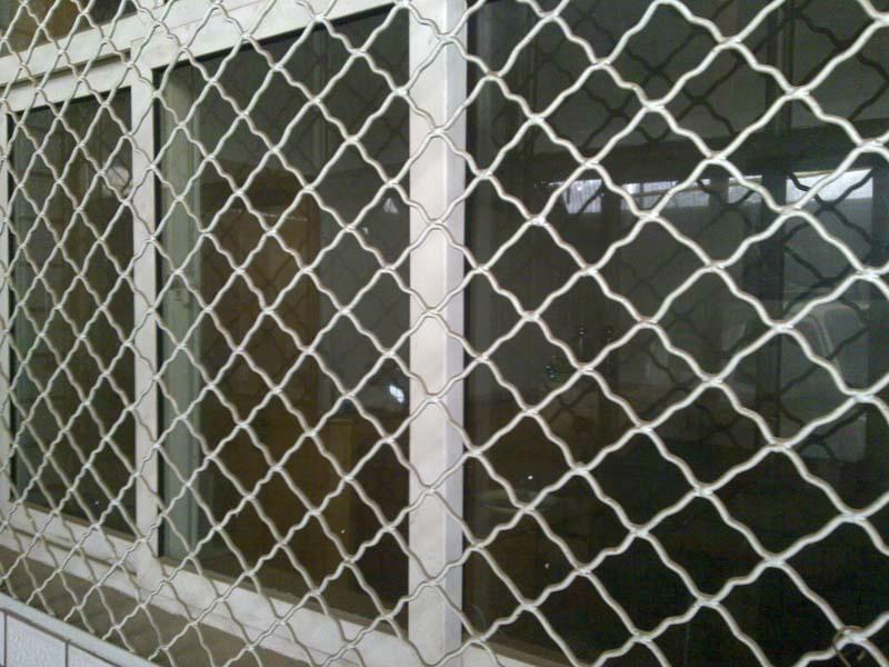 供应新疆乌鲁木齐美格网护栏厂图片