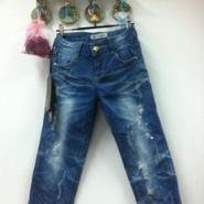 郑州夏季最便宜的牛仔短裤批发图片