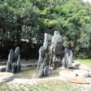 上海闵行哪里制作斧劈石假山最好图片