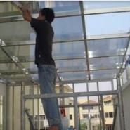 玻璃贴膜在办公室提高隐私防护措施图片