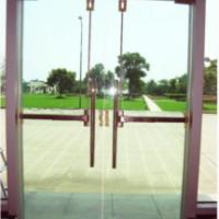 全无框玻璃门能用逃生锁吗?玻璃门安装消防通道锁。