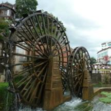 供应水转翻车,重庆专业安装水转翻车公司,重庆防腐木水车价钱