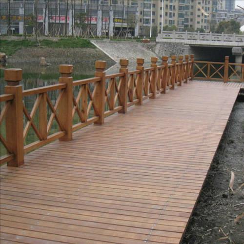 供应上海防腐木地板安装图片