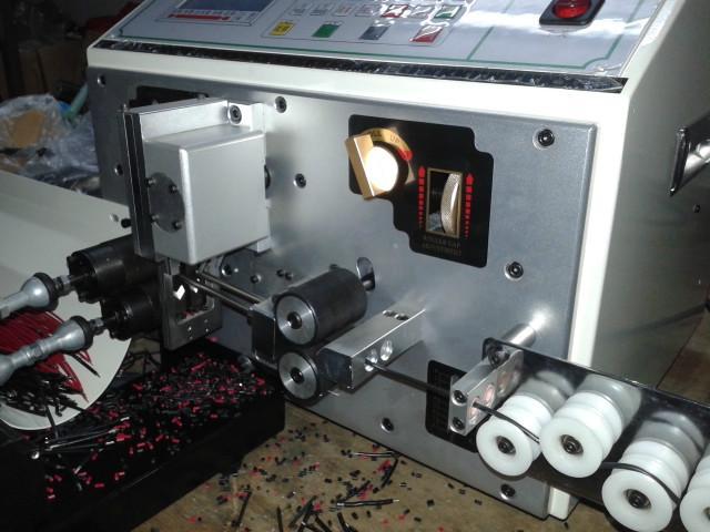 供应2014最新款230多功能电脑裁线机