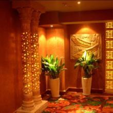 供应欧式透光柱砂岩镂空柱子价格,云南黄锈石柱子厂家 方形雕花柱装饰