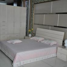 供应定制卧室家具