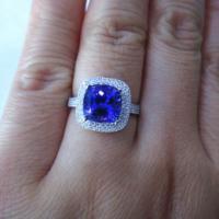 供应天然小枕形坦桑石裸石镶嵌双圈钻石豪华坦桑石戒指