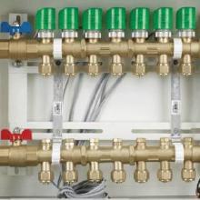 供应曼瑞德地暖分集水器价格 智能双调节分水器及配件