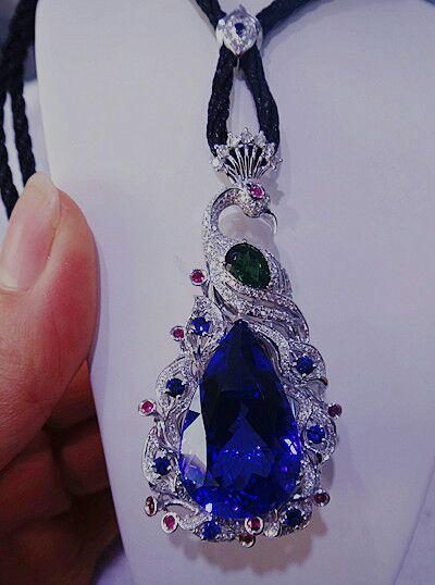 供应超豪华坦桑石钻石孔雀吊坠天然宝石镶嵌豪华吊坠