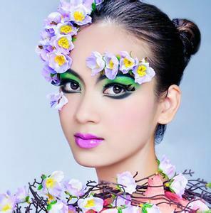 桂林灵川新娘化妆盘发 新娘跟妆
