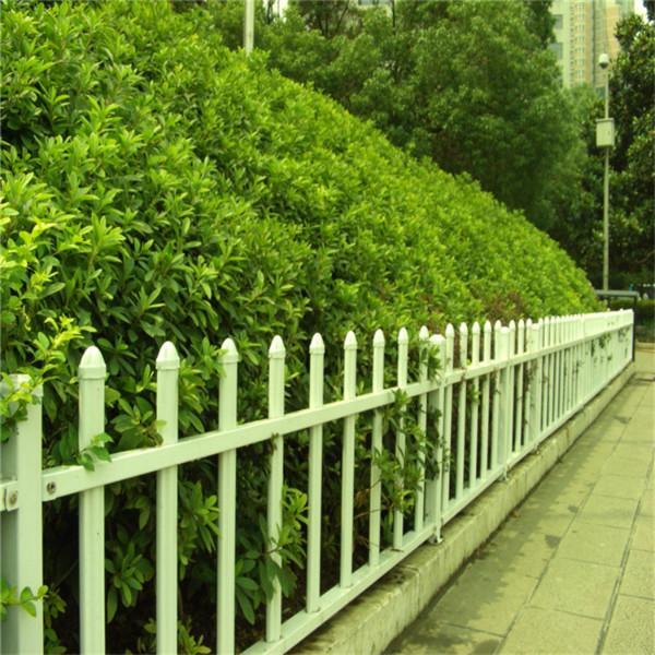 供应厂家直销塑钢防辐射耐腐蚀草坪护栏