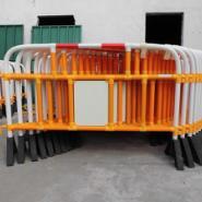 出口胶马 防护栏 隔离栏图片
