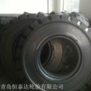 实心轮胎1400-24拖车工程胎图片