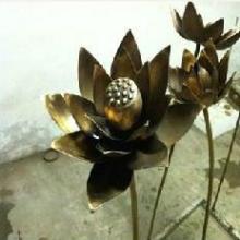 供应金属雕塑摆件铁艺莲花莲叶雕塑图片