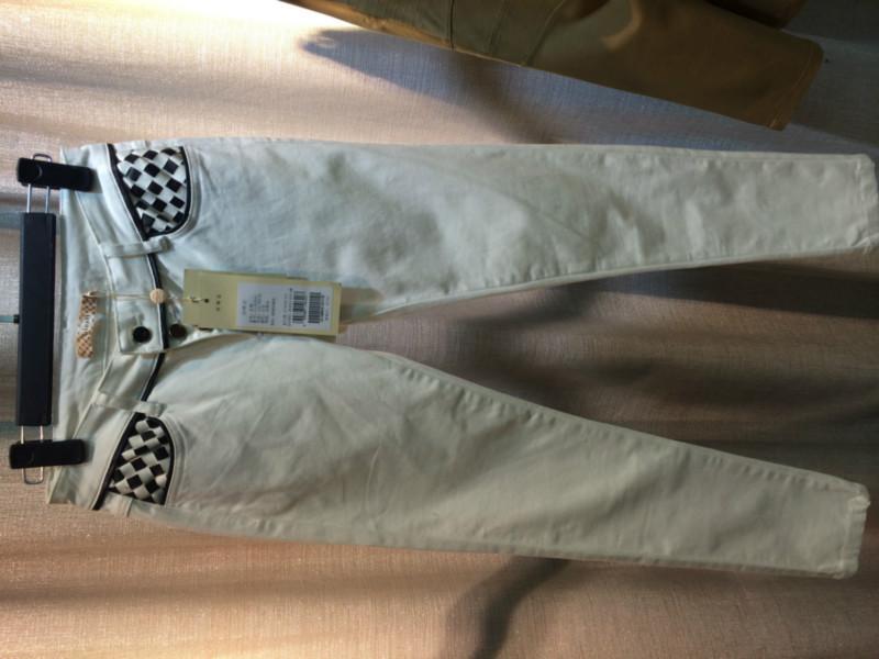 供应金仑广州服装尾货批发哪里便宜广州服装折扣女装