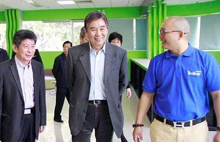 国务院参事、原科技部副部长刘燕华一行莅临一呼百应参观考察