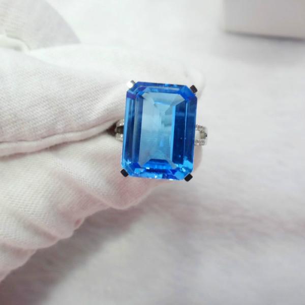 供应托帕石戒指18K金镶钻石托帕石女戒 托帕石裸石批发