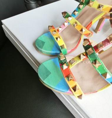露趾凉鞋图片/露趾凉鞋样板图 (3)