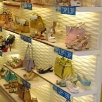 供应厦门专业皮具鞋包展示柜生产厂家定做烤漆货架