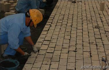 供应辽宁锦州耐酸砖粘贴玻璃钢防腐施工13700168595